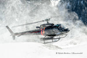 Eurocopter AS-350 F-HAUF snow