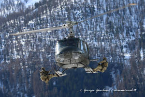 UH-205A EI-337 004